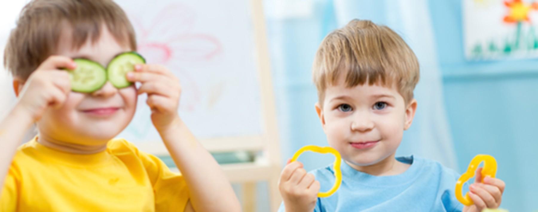 kids eating in kindergarten